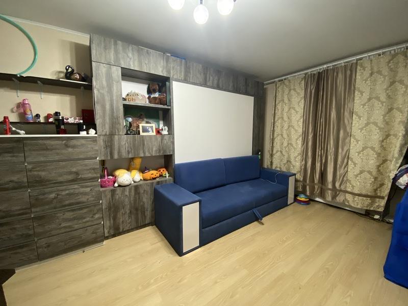 Кровать встроенная с диваном и комодом в гостиную: Копищи, Новая Боровая, ул. Небесная, д.1